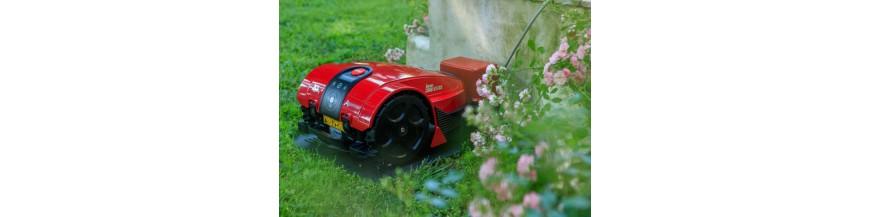 Rasenmäher und Gartengeräte
